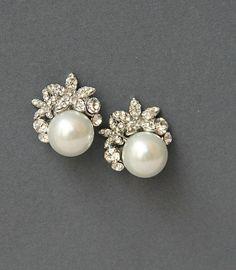 Lovely crystal & pearl wedding stud earrings!!