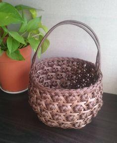 #クラフト #ハンドメイド #六目と花結びの籠  #今回は丸い形で作ってみました