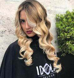 Molto richiesto✨ baby blonde✨ un biondo chiarissimo che non passa mai di moda,Un biondo naturalissimo di varie tonalità che mescola oro e miele per creare un effetto STREPITOSO⚡️ Noi ci troviamo a Piazza nazionale 42a 43 📞PER INFO: 081201024 ✅WHATSAPP: 3317443476 ✂️HAIR IDOLA SALOON  #idola #saloon #parrucchieri #arte #napoli  #hair #hairstyle #curls #toptags @top.tags #hairstyles #curlsfordays #curlsforthegirls #curlsonfleek #hairdo #curlss #perfectcurls #loosecurls #fashion #instafashion…