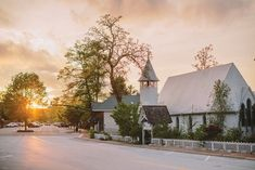 8. Episcopal Church of Incarnation, Highlands