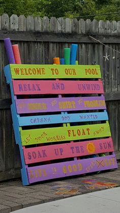 Outdoor Towel Rack Made From A Pallet Outdoor Living Pinterest Pool Storage Towel Rack