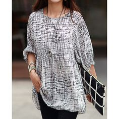 Trendy Style Scoop Collar Abstract Print 3/4 Sleeve Women's T-Shirt