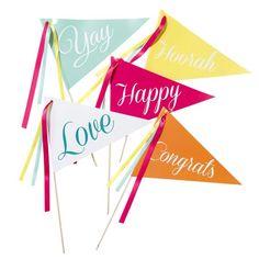 Nos encanta este Pack 10 Banderitas para alegrar una boda! http://www.airedefiesta.com/product/7365/0/0/1/1/Pack-10-Banderitas-Fiesta.htm