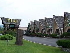 A few weeks ago I traveled to upstate New York to attend the Fraternal Order of Moai National Convention and Ohana, Luau at the Lake tiki w. Tiki Art, Tiki Tiki, Tiki Hawaii, Lake George Ny, Vintage Tiki, Vintage Travel, Tiki Lounge, Hawaiian Theme, Tiki Room