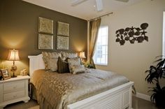 guest room ideas. Without the out of place sea shell wall hanging.
