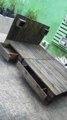 lovley pallet wooden bed