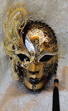 Phoenix Rising Gold Plate Swarovski Venetian Carnival Masks, Carnival Of Venice, Venitian Mask, Costume Venitien, Venice Mask, Or Noir, Beautiful Mask, Beautiful Costumes, Fantasy Costumes