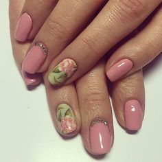 Pink nude gloss with flower nail art feature. by thenailbarsydney http://ift.tt/1NRMbNv