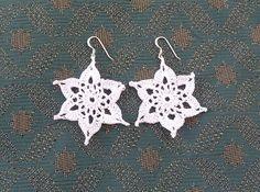 Snowflake Earrings - free crochet pattern