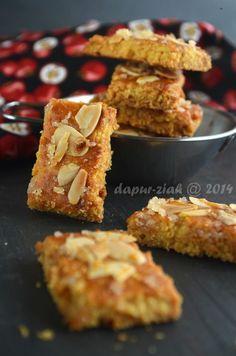 dapur-ziah by mama'e Zie: Janhagel Baking Recipes, Cookie Recipes, Snack Recipes, Dessert Recipes, Snacks, Peanut Cookies, Almond Cookies, Biscuit Cookies, Cake Cookies