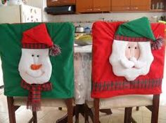 Resultado de imagen para adornos navideños para sillas Christmas Stockings, Holiday Decor, Party, Home Decor, Holidays, Christmas Decor, Ideas, Vestidos, Chair Covers