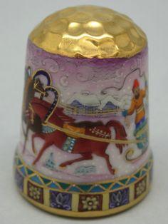 Rusia, porcelana pintada a mano, Asociación Etude: replicated thimble by Galina Gorbaneva. Nº 1/13.Thimble-Dedal-Fingerhut.