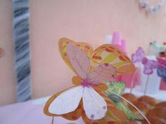 Farfalle in carta pergamena con base in legno e filo di nylon
