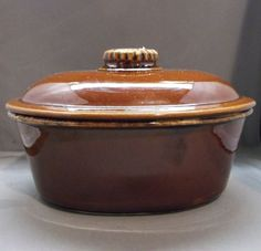 Hull Brown Drip Crestone Oval Covered Vegetable Roaster Casserole