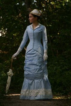 Before the Automobile: Natural Form era day dress (1875-87)