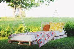 16 Pallet Swing Bed