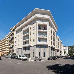 Résidence étudiante Baudouin - Nice (06) © Ecliptique / Laurent Thion Laurent, Multi Story Building, Street View
