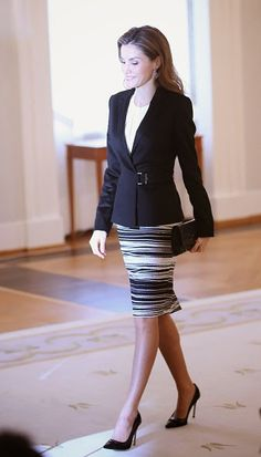 Queen Letizia of Spain attends a press conference at Schloss Bellevue presidential palace on 01.12.2014 in Berlin, Germany