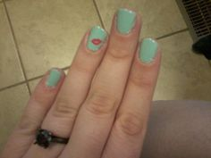 Fifty-Two Weeks: Check out these nails!