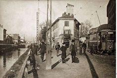 Naviglio pavese, all'altezza di via Torricelli, il caseggiato chiaro esiste ancora. Siamo nei primi anni del novecento, molto suggestivo il tram Edison presumibilmente della linea 20. Sullo sfondo, la conca di via Conchetta.