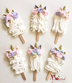 These gorgeous Unicorn Meringue-sicles or Meringue Pops made by Moreish Cakes Australia are such a unique twist on a fav theme right now! Combination of pink, purples, pastels and gold are so on trend right now! Click the image to get the recipe.