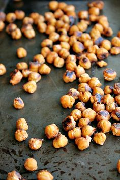 perfectly pop-able Sriracha Roasted Chickpeas  I know it's strange, but I am one of those people that is always thinking about what I am going to eat next.  Even more when I am in the middle of say a 21 day cleanse. Lately, I have been obsessed with snacks.  These spicy, crunchy …