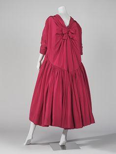 Col·lecció de moda dels segles XX i XXI. Couture Fashion, Girl Fashion, Womens Fashion, Balenciaga Vintage, Christian Dior, Moda Barcelona, Dress Form Mannequin, Simply Fashion, Ferrat