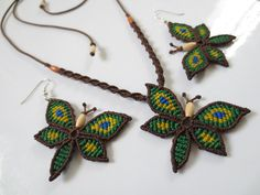 Butterfly Pendant & Earrings Macrame Pendant por PapachoCreations