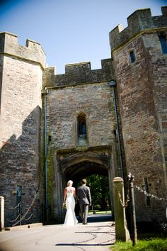 Simon and Polly arrive at the grounds of The Bishops Palace in Wells, Somerset.