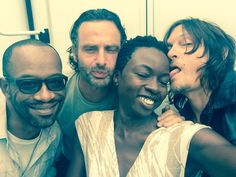 Lennie James, Andrew Lincoln, Danai Gurira, and Norman Reedus Walking Dead Cast, Fear The Walking Dead, The Walkind Dead, Twd Memes, Zombie Movies, Carl Grimes, Great Tv Shows, Andrew Lincoln, Entertainment