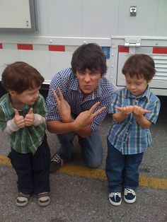 OMGosh it's Rodrick and the kids who played Manny THIS IS ADORABLE