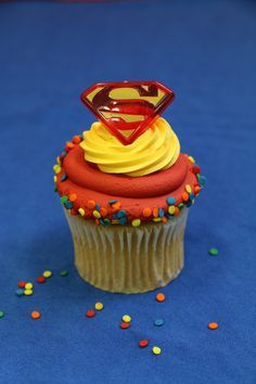 Cute Superman cupcake toppers!