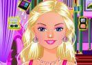 Vestir a barbie. Barbie es tan popular y de moda como siempre lo ha sido. Ella siempre está lista para experimentar con las nuevas tendencias y estilos, en realidad, ella está feliz de probar lo que sea que el consigliasi. Fuente: http://www.juegos-de-barbie-star.com/vestir-a-barbie.html