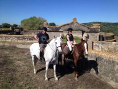Paseos a caballo alcantaraecuestre.com. Wonderful hack.