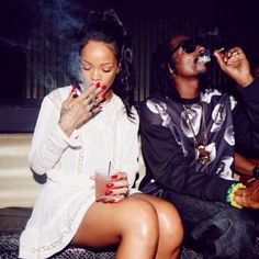 This is Rihanna and Snoop Dogg smoking weed and drinking alcohol. Are they positive role models for black youth, well this is who the media have in fr
