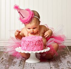 this is the way to do a 1st bday cake photo