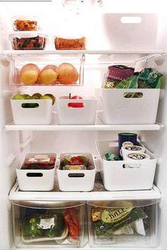 Storage & Organization - Aufgeräumt mit System: um schön wohnen zu können brauchen wir Platz und Ordnung und folglich auch ausreichend Stauraum und clevere sowie schöne Lösungen.