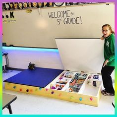 Gorgeous classroom design ideas for back to school 26 Classroom Hacks, Classroom Setting, Classroom Setup, Classroom Design, Future Classroom, School Classroom, Classroom Storage Ideas, Classroom Reading Area, Portable Classroom