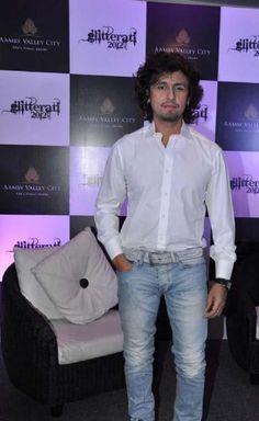 Sonu Nigam at Glitterati, 2012