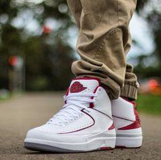 sports shoes e3b9a 357d2 Air Jordan 2 Retro Countdown Pack White Varsity Red shoes