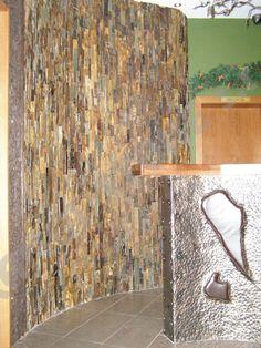 Galileo homlokzati burkolokő Firewood, Texture, Stone, Crafts, Surface Finish, Woodburning, Rock, Manualidades, Stones