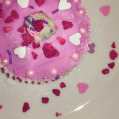 Työpaikkalounas tänään  #ystävänpäivä #happyvalentines #valentines #kuppikakku #cupcake #omnom #instagood #sweetlife #beauty #beautiful #gorgeous #rianno #viestintätoimisto #riannocommunications #konsultinelämää #sydän #heart #hearts