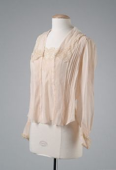 Blouse, ca. 1917; Meadow Brook Hall Historic Costume Collection 18_11_17