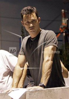 Jeffrey Donovan, pauses during rehearsal of an episode of 'Burn Notice' in Miami, Friday, May 29, 2009.