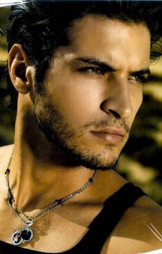 Leandro Lima. One hell of a Sexy Man !!! Gee you Think. :):)