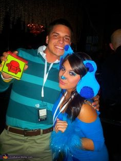 Blue's Clues Couple Costume - Halloween Costume Contest via China China Falk Works What Is Halloween, Holidays Halloween, Halloween Diy, Happy Halloween, Halloween Couples, Halloween Clothes, Halloween 2017, Creative Costumes, Cool Costumes