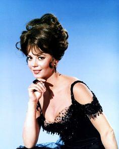 "Natalie Wood - ""The Great Race"" (1965) - Costume designer : Edith Head"