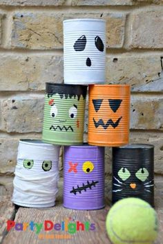 Super fun tin can bowling activity for kids this Halloween. Make this fun Halloween Craft with the kids. They are also great desk tidies and double up nicely as Halloween Pen Pots. Halloween Party Activities, Halloween Arts And Crafts, Halloween Crafts For Toddlers, Diy Halloween Decorations, Holiday Crafts, Birthday Decorations, Soirée Halloween, Adornos Halloween, Manualidades Halloween