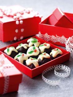 Christmas Puddini Bonbons - My WordPress Website Christmas Cooking, Christmas Recipes, Christmas Goodies, Christmas Treats, Christmas Chocolate, Christmas Hamper, Christmas Crackers, Xmas Food, Christmas Cupcakes