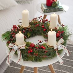 Make your own Christmas wreath, If you are afraid to tie and design an advent wreath yourself, you will be surprised how easy it is. You only need a few materials for this. Bridal Shower Wreaths, Wedding Wreaths, Holiday Wreaths, Holiday Decor, Advent Wreaths, Christmas Diy, Xmas, Christmas Stockings, Scandinavian Christmas Decorations